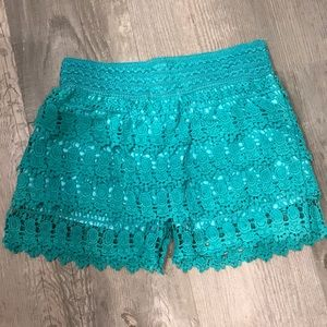 Pants - Laced pattern teal shorts